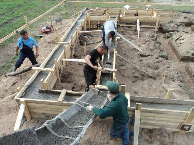 raschet-skolko-betona-nuzhno-na-fundamen